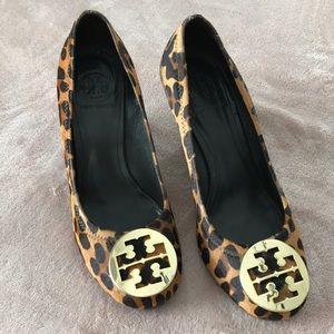 Tory Burch leopard wedge heels 8.5 M shoes